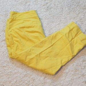 Ann Taylor Signature yellow crop capris size 8